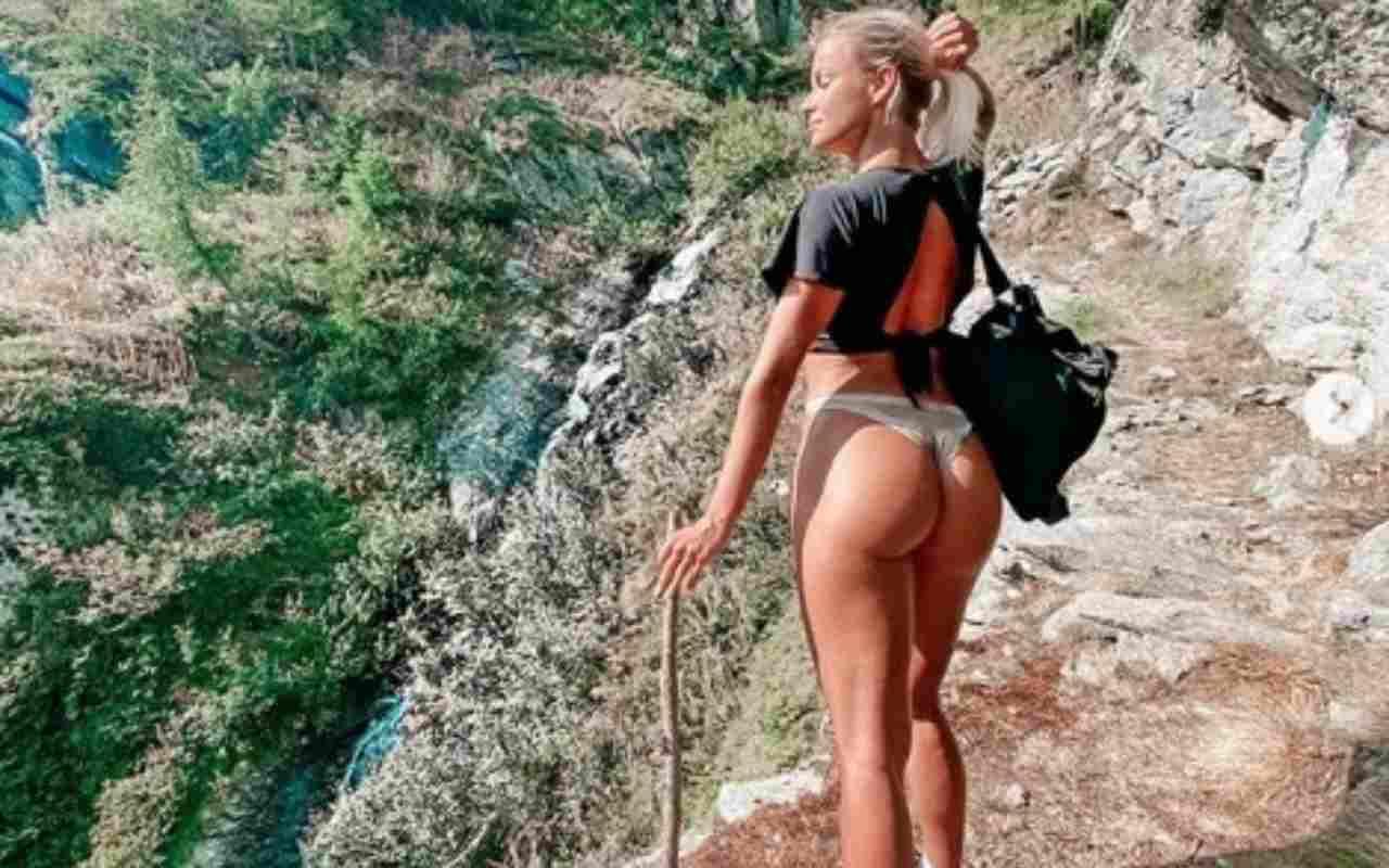 Mercedesz Henger super in montagna: hiking in mutande - FOTO