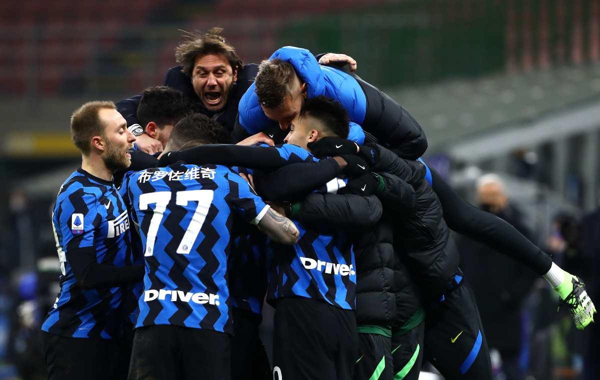 L'Inter festeggia il primato in classifica