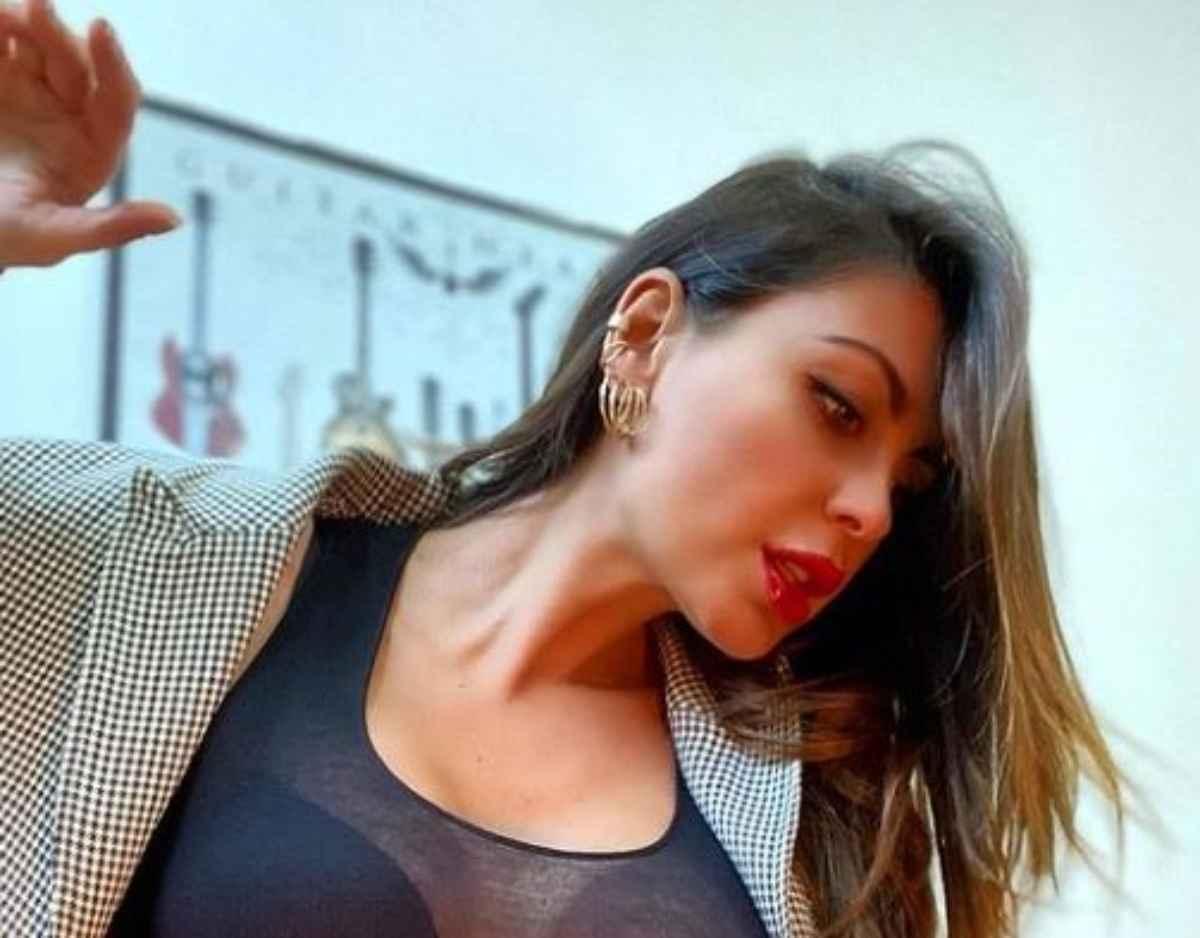 Jolanda De Rienzio accende instagram!
