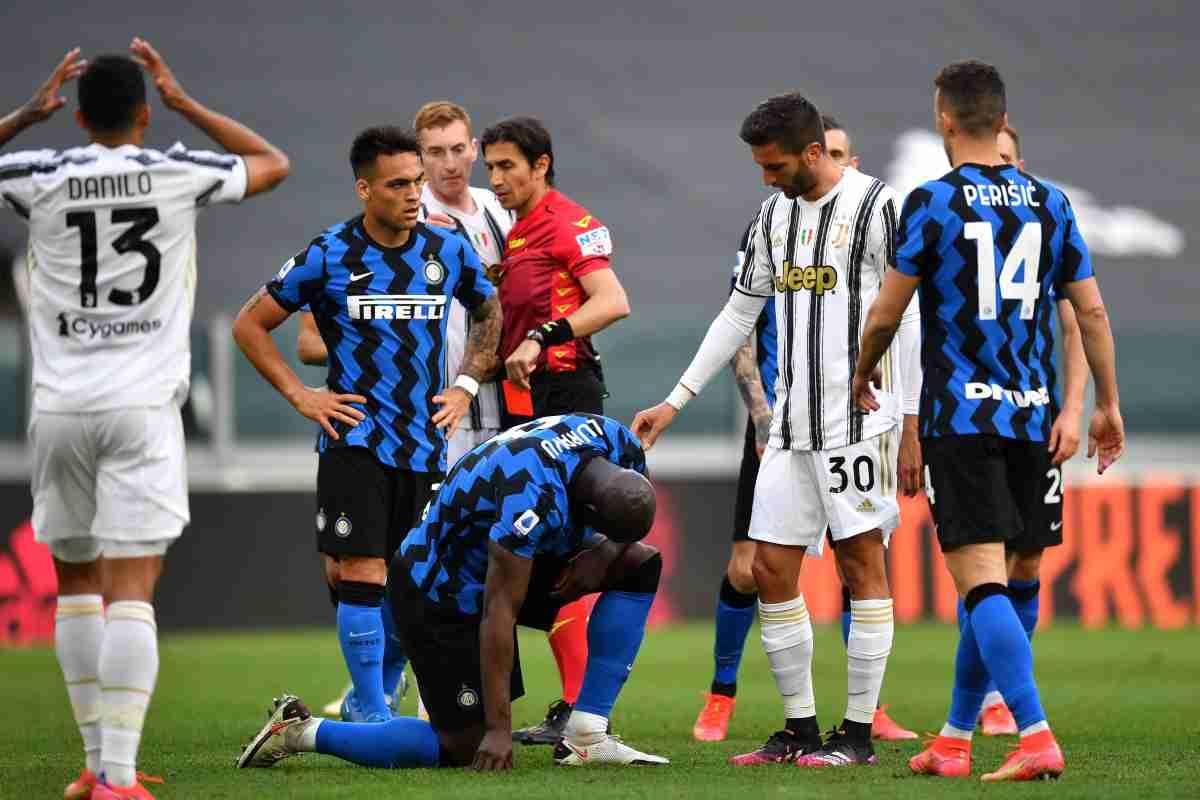 Juventus-Inter, Calvarese estrae il rosso  proteste dei tifosi
