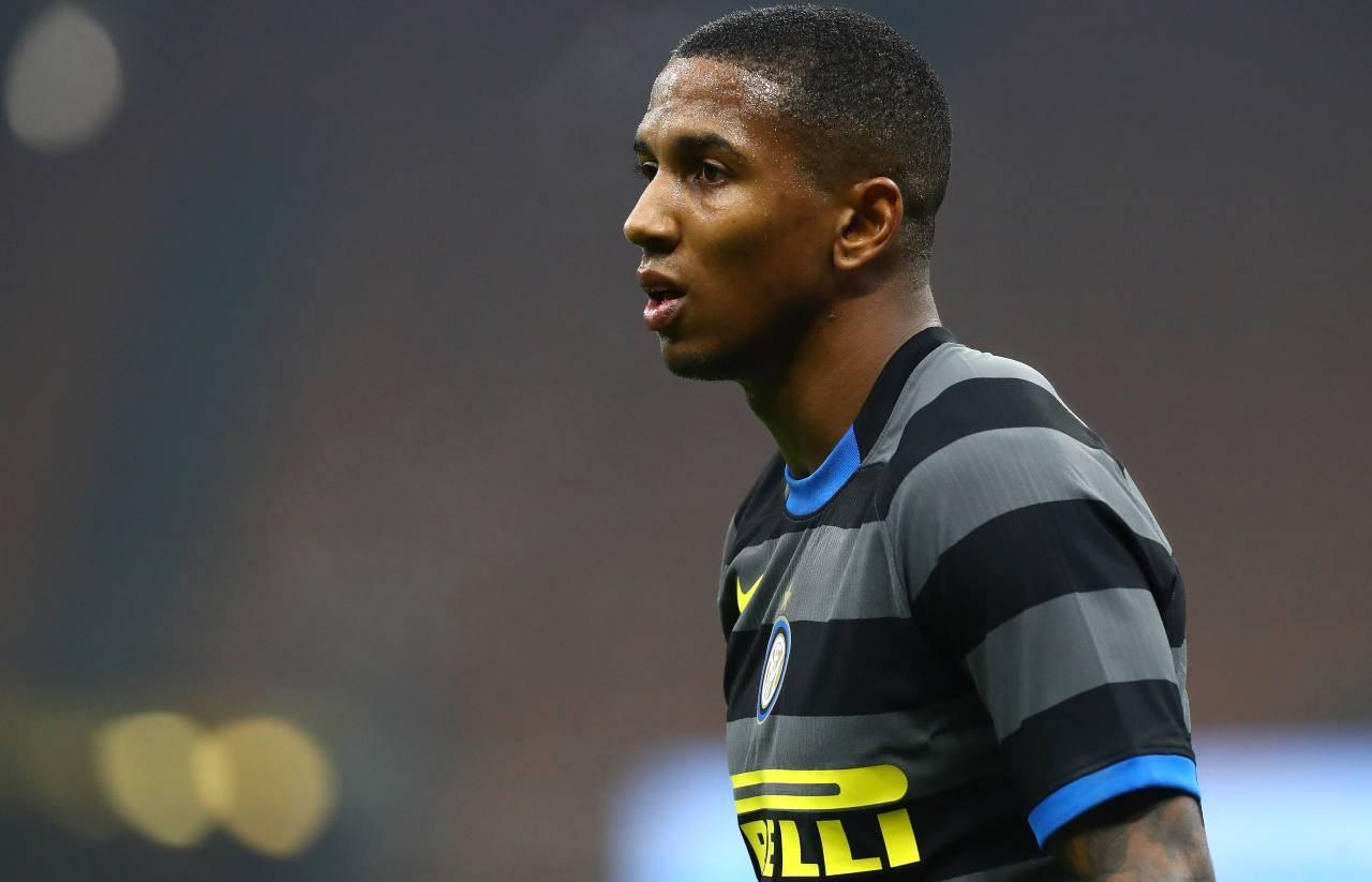 Young addio Inter Watford