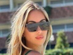 Laura Cresmachi incredibile, il bikini mostra un fisico perfetto!